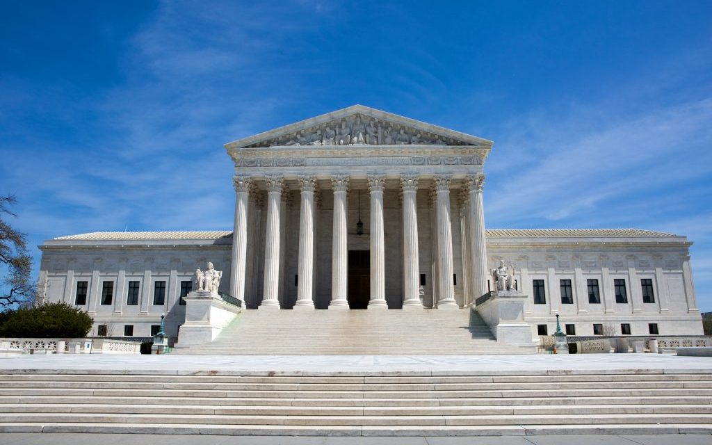 Apple Fending Off Antitrust Claims in Supreme Court