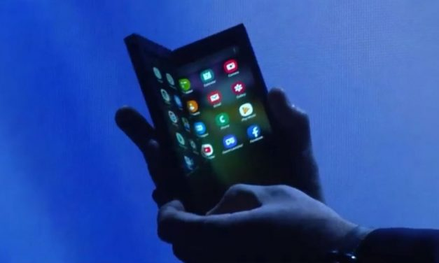 Samsung Leads Race to Foldable Phones