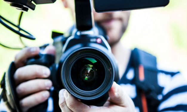 What Equipment Do You Need to Be a YouTuber? – A Guide