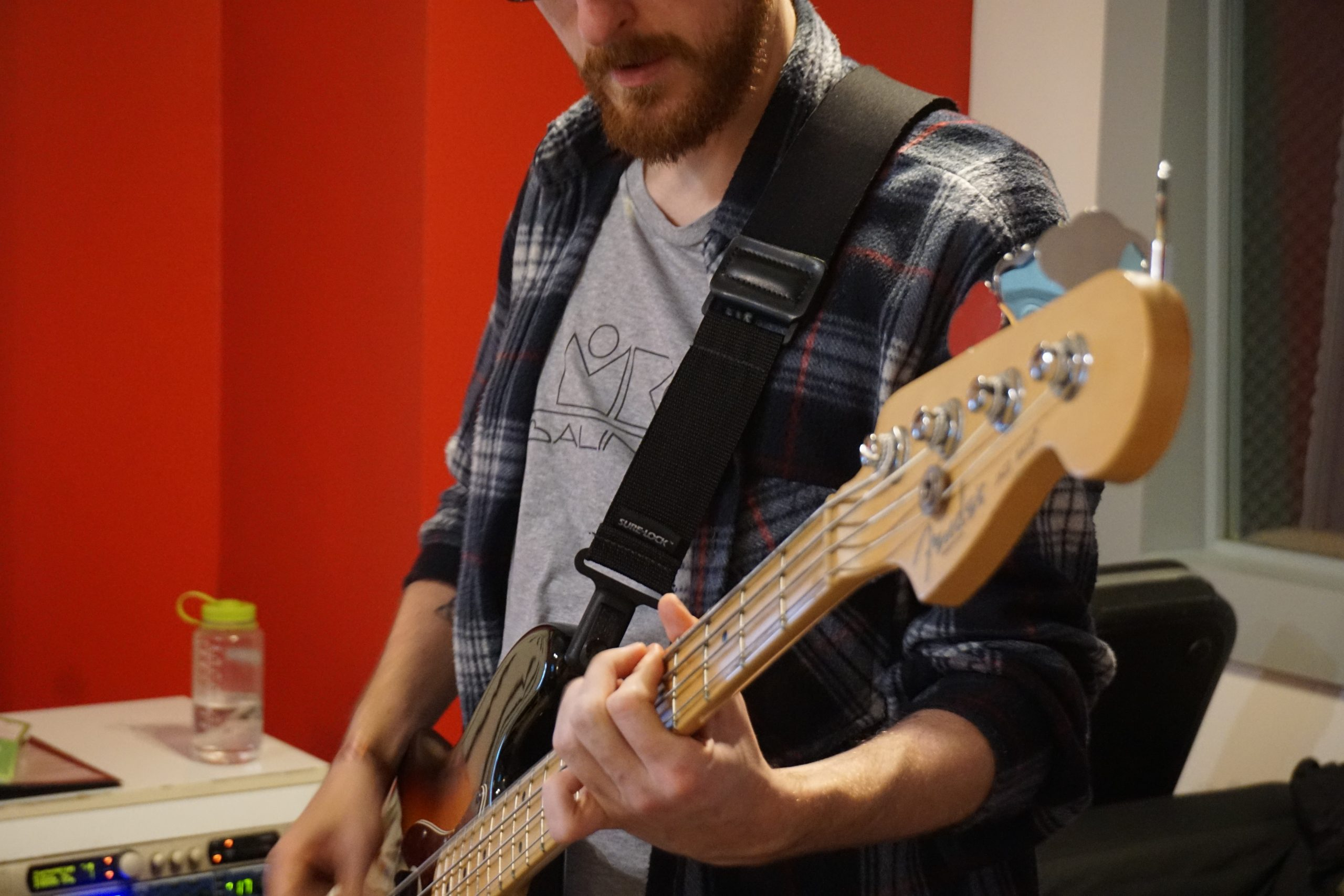 This is Miguel (Michael) recording bass tracks for RED CAN first EP which took us just 50:00:00 hours to get done but it stretched out to 8 months due to delays, computers colapsing and broken fingers (and yes, it was Michael finger with a friendly door).  Along Matt and Ramon (Raimond), we are RED CAN. A new rock band. And we have written your next favourite songs.   📸 @redcanband