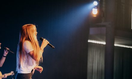 Why Do Singers' Voices Vibrate?