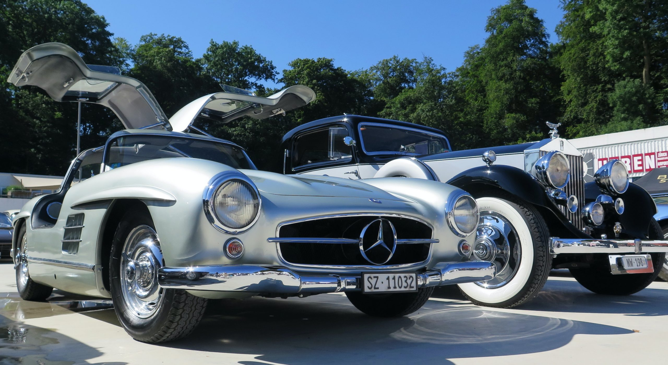 Mercedes 300 SL and a seldom Rolls Royce during the Dolder Classics in Zürich dated 11th August 2019